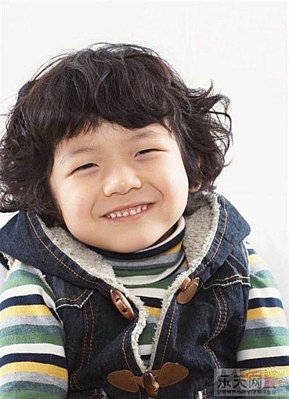 爆可爱滴韩国小男孩,相信你一定认识他,超火哦~特地找