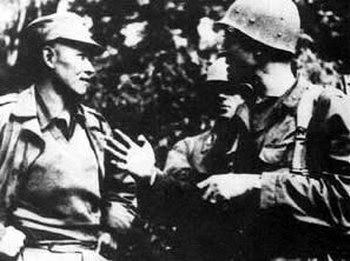 孙立人/孙立人(左)在皎梅与英军会师,缅甸全境光复